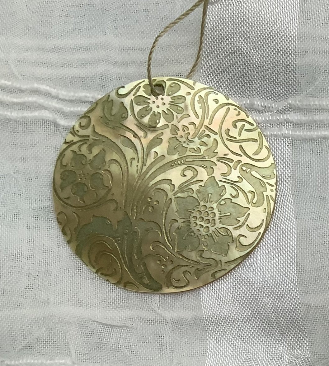 Shell Pendants Laser Etched LPD