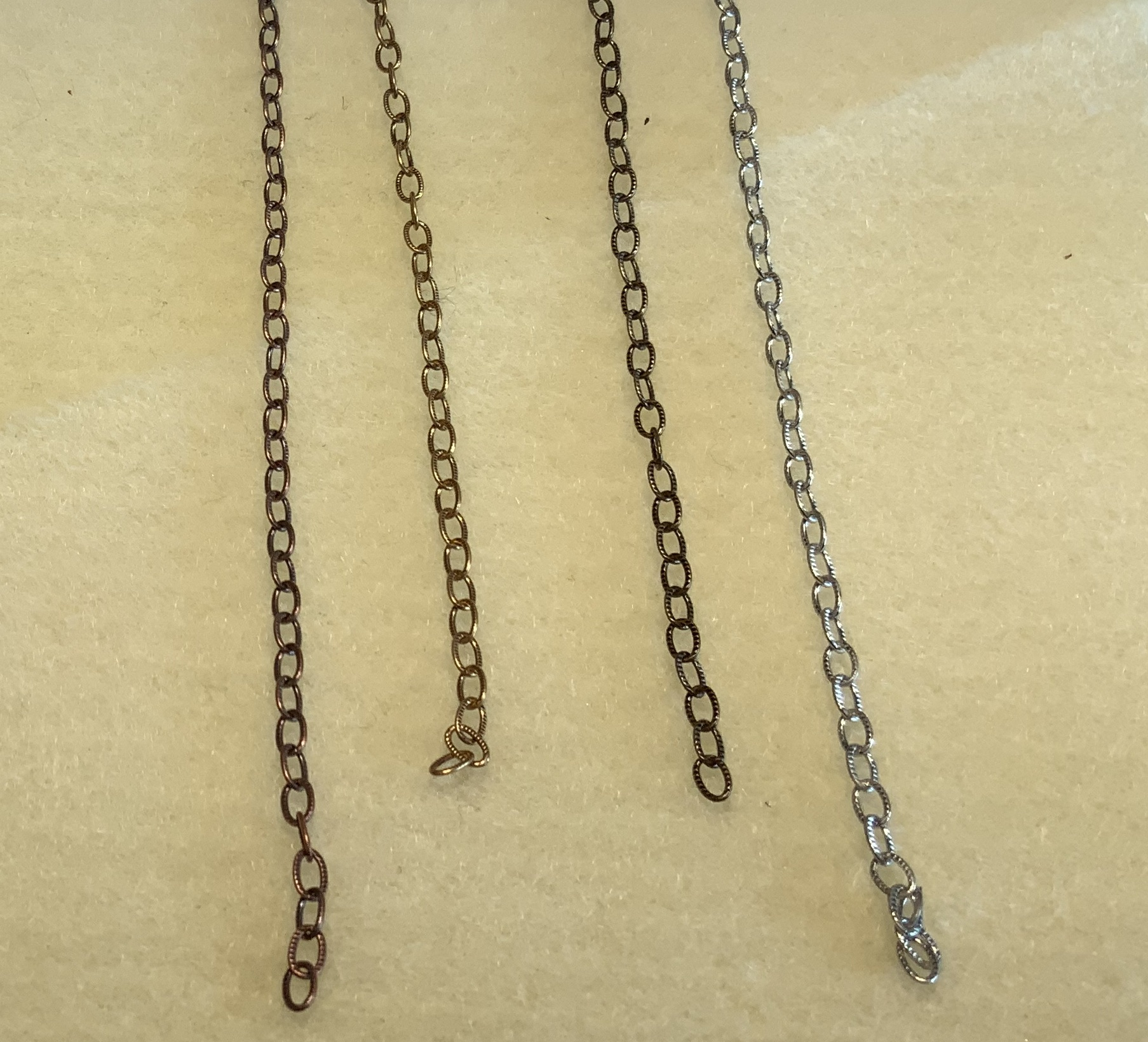Embossed Small Cable Chain