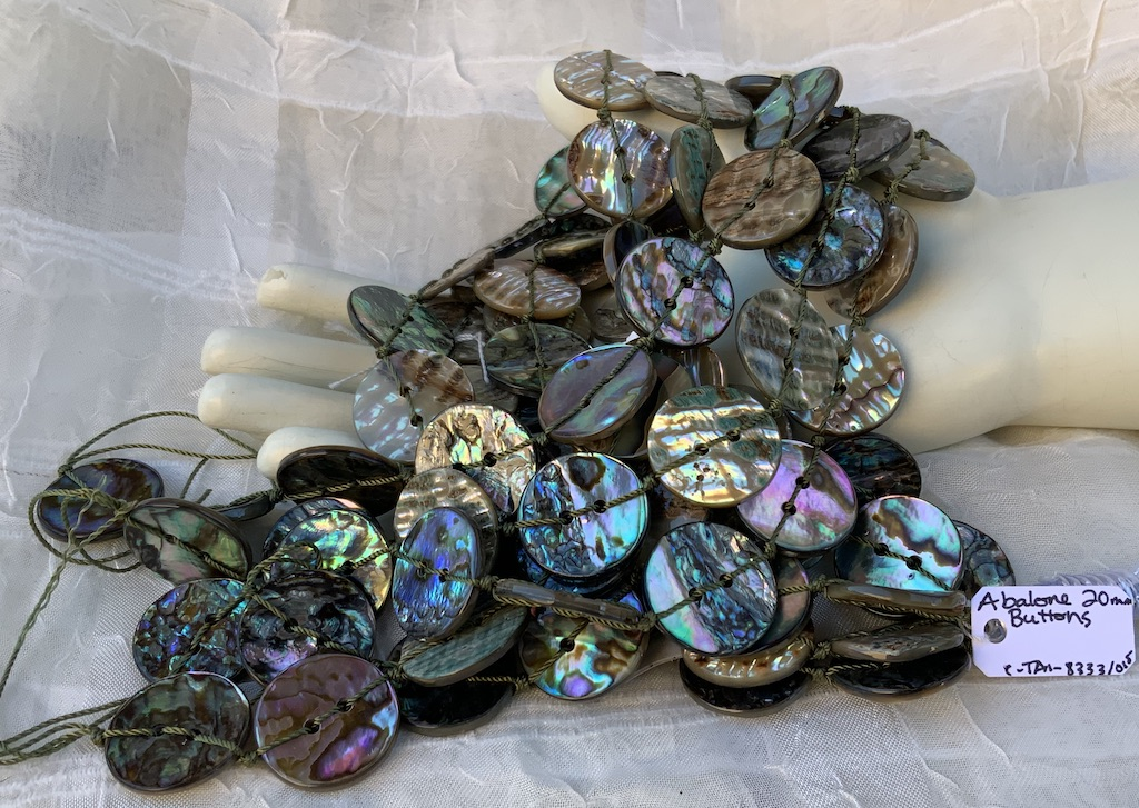 Abalone 20mm button
