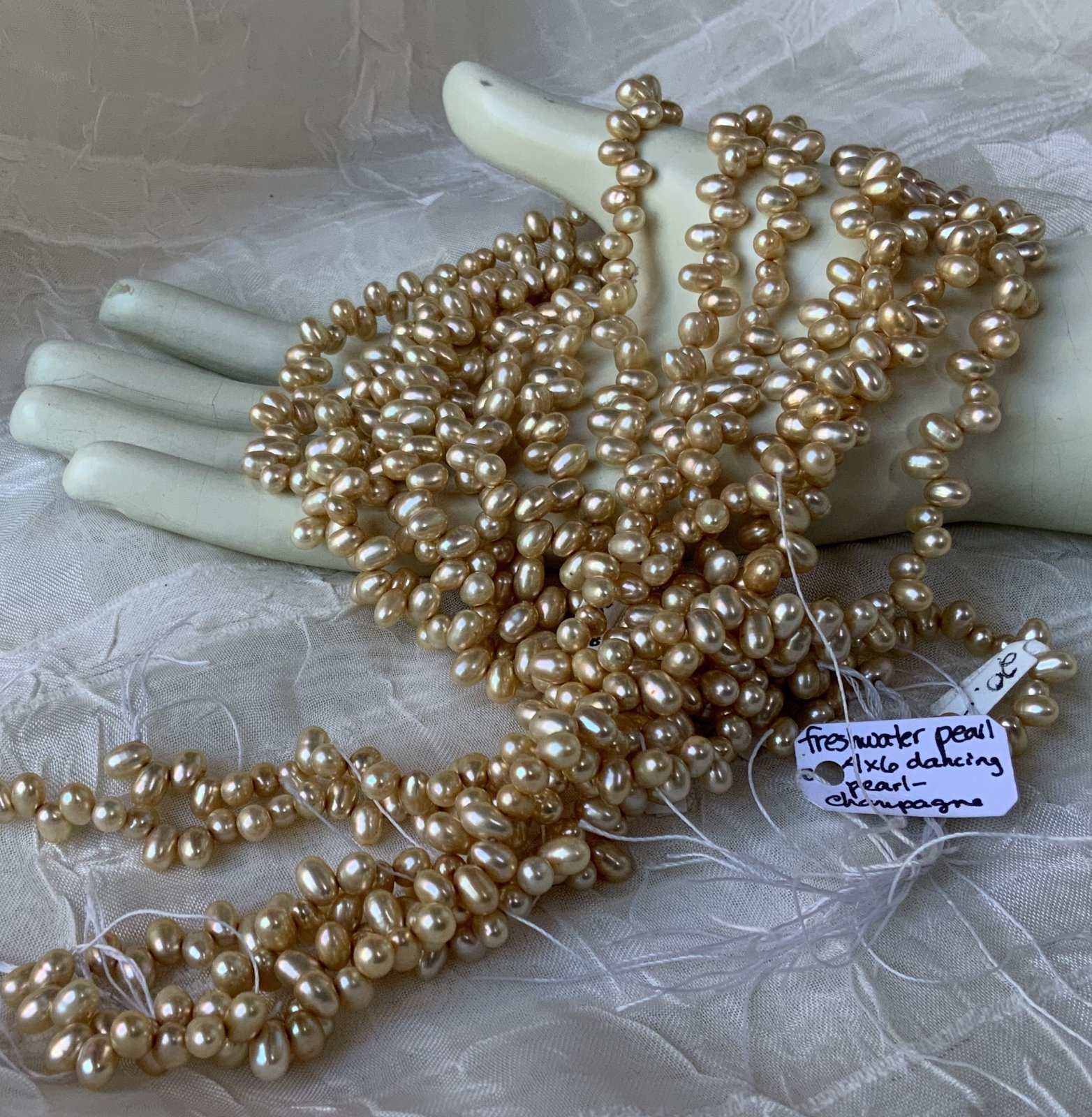 FW Pearl 4x6mm Champagne Dancing