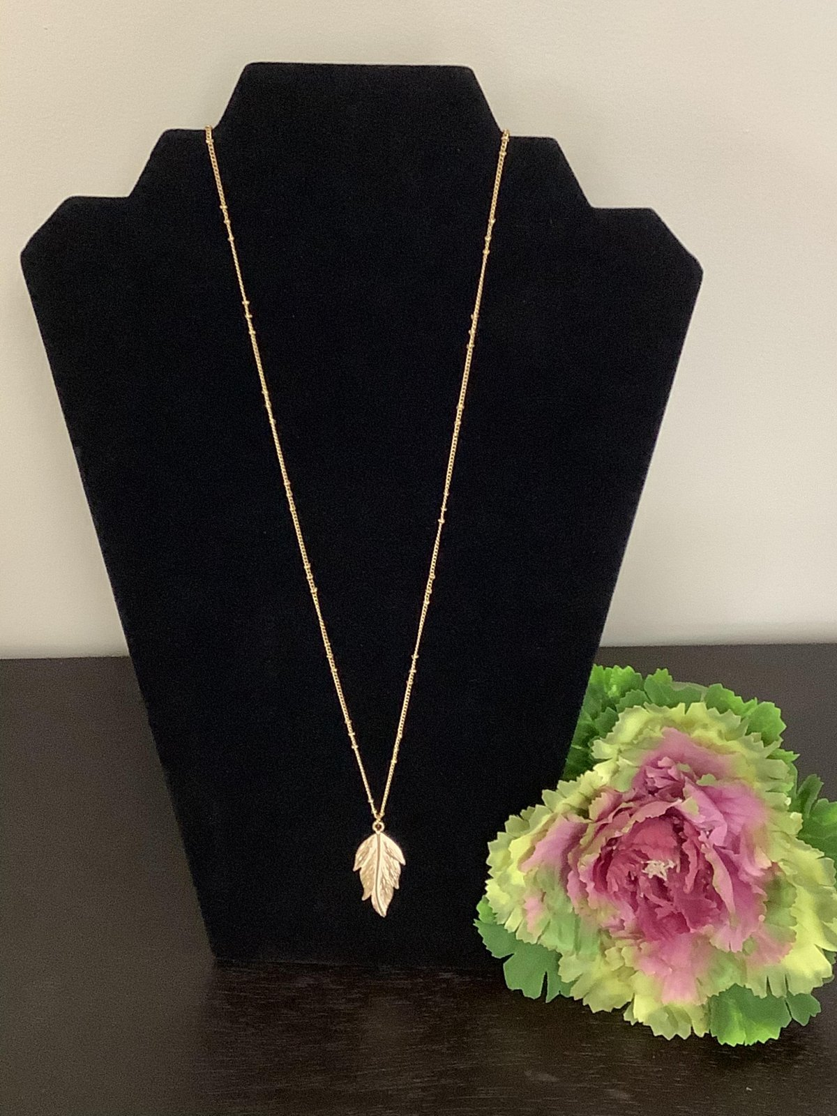 Gold/White Distressed Feather Necklace