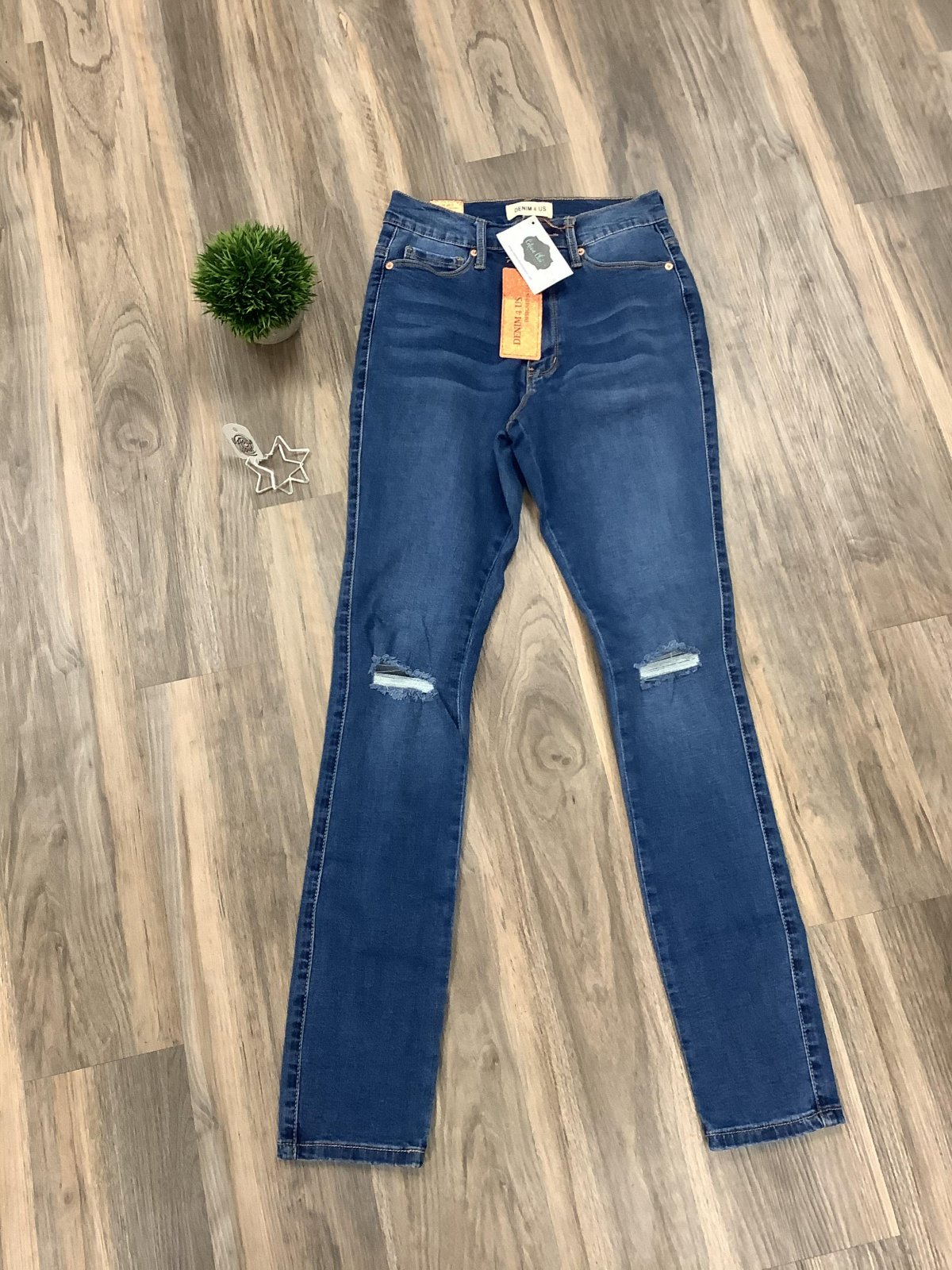 Denim 4 US Distressed High Rise Skinny Jeans