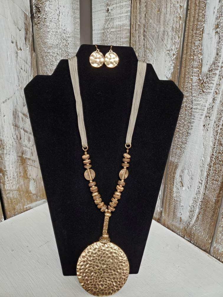 Jade with Wood & Gold Beads & Gold Circle Pendent Necklace with Earrings