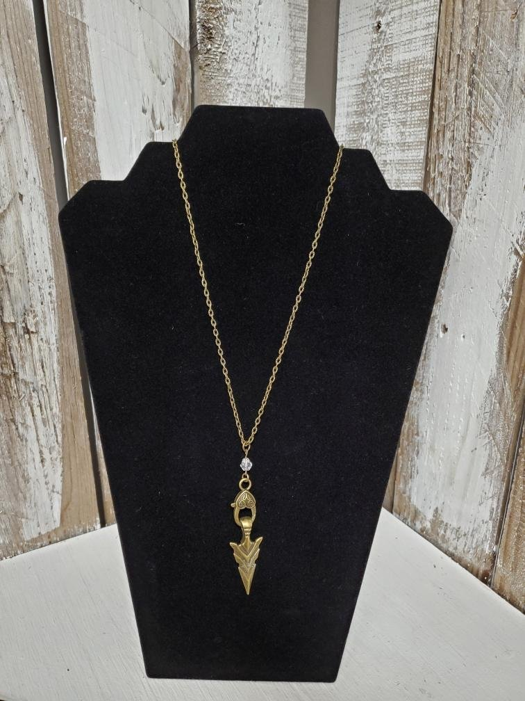 Gold Arrow Pendent Necklace