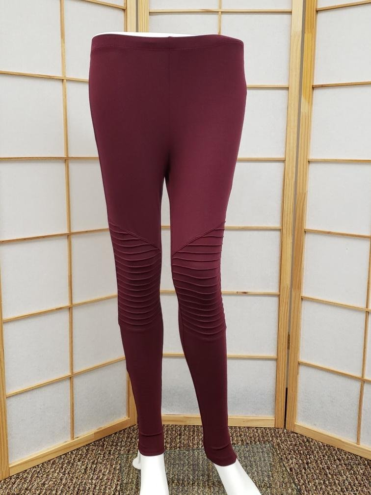 Maroon Motto Legging *Curvy Approved*