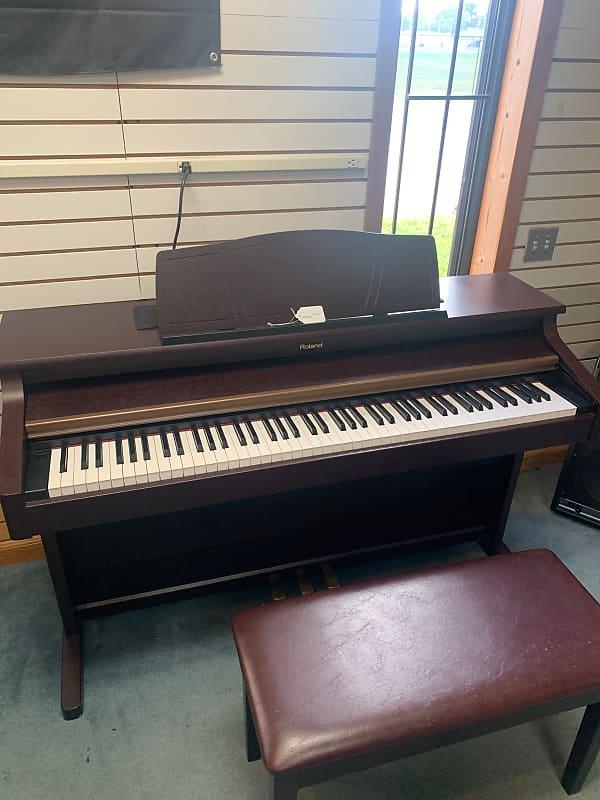 USED ROLAND KR-107 Keyboard w/ Bench