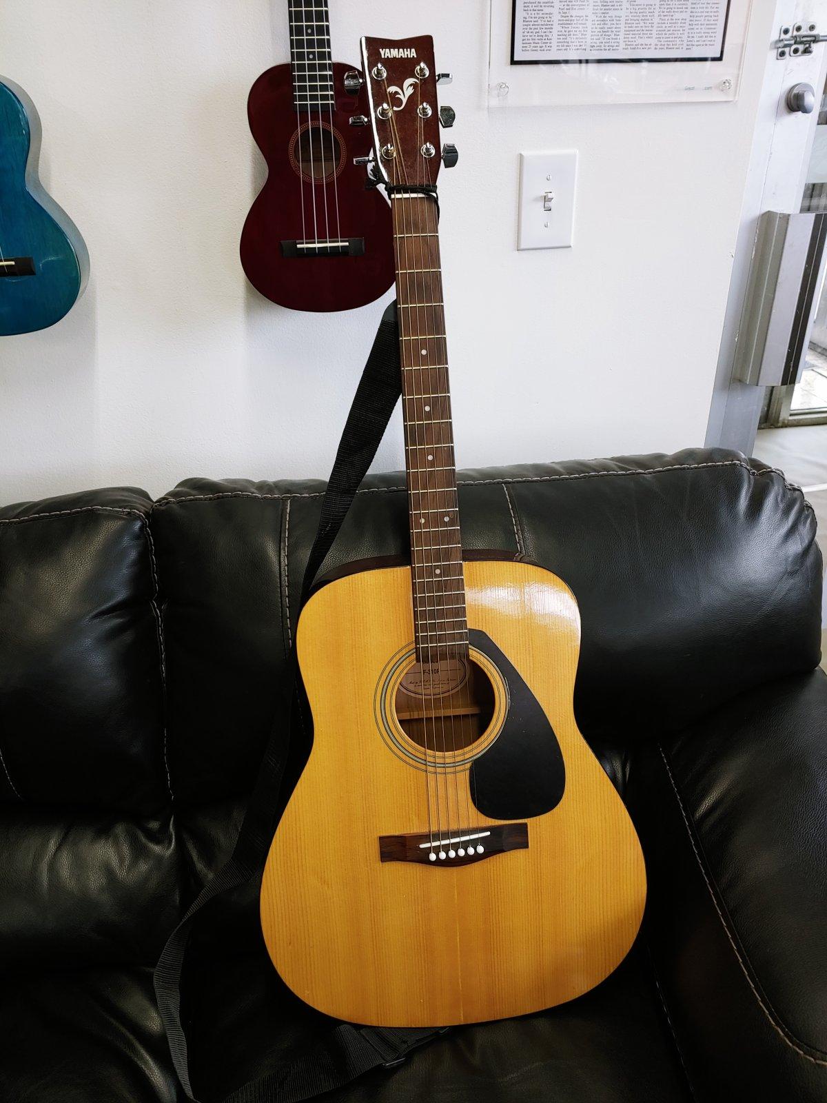 Yamaha F-310P Acoustic Guitar (used)