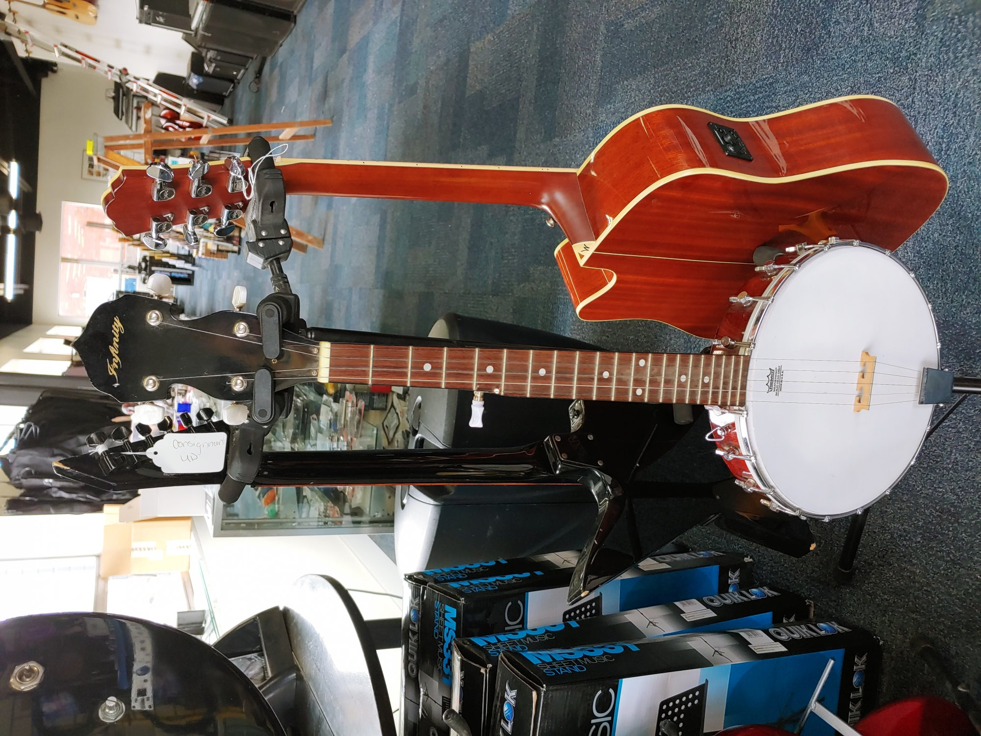 Infinity Short Scale Banjo (consignment)