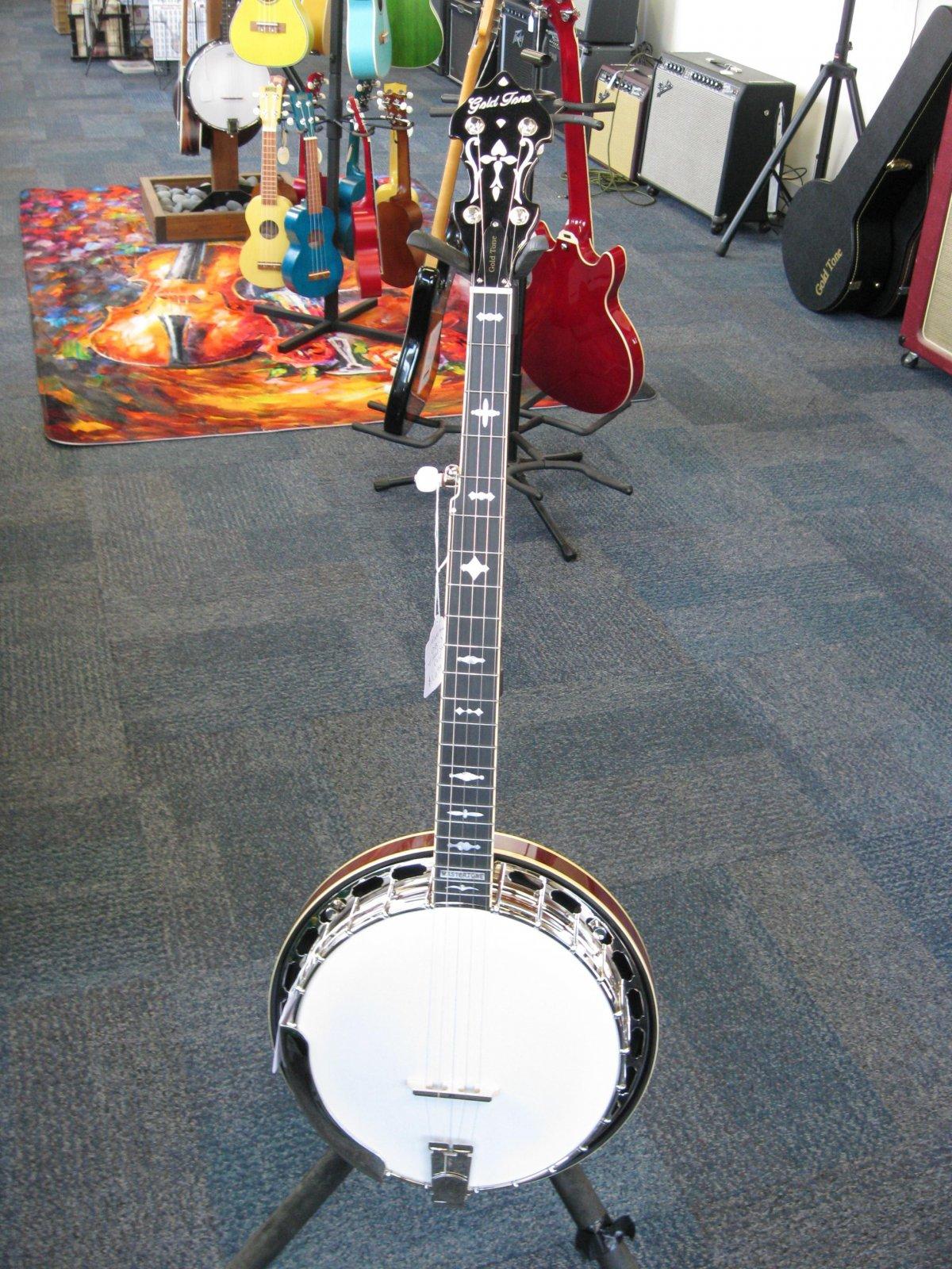 Goldtone OB-3 Banjo w/ Case