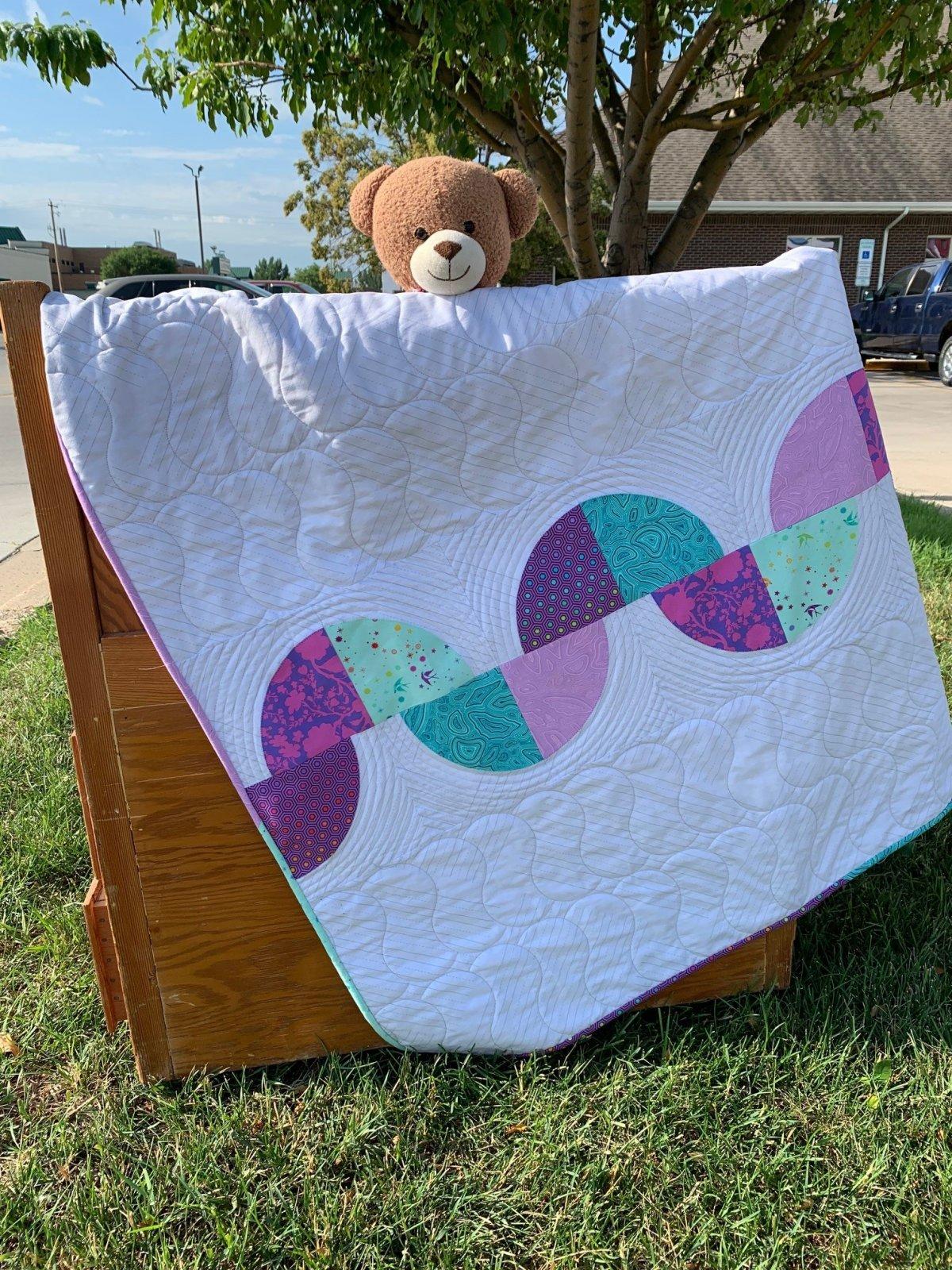 Curvy Path Baby Quilt Kit