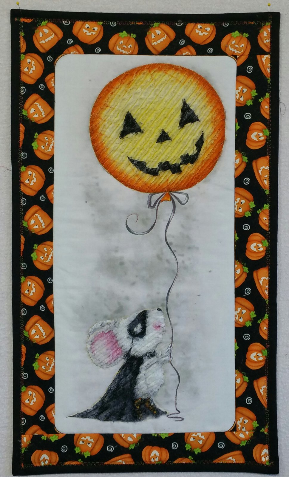 Chenille Mouse/Balloon Halloween Wall Hanging KIT