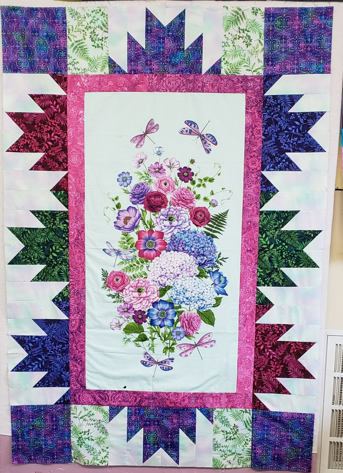 Dragonfly Garden QUILT/WALL HANGING KIT - 46 x 67