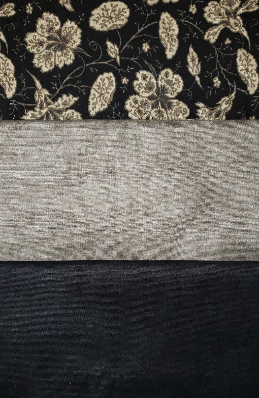 Klondike - Villa Rosa QUILT KIT - Black/Grey/Floral - 48 x 64