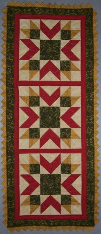 Holiday Star Table Runner - Penny Marble - 10-503