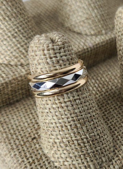 Gold Bands with Diamond cut