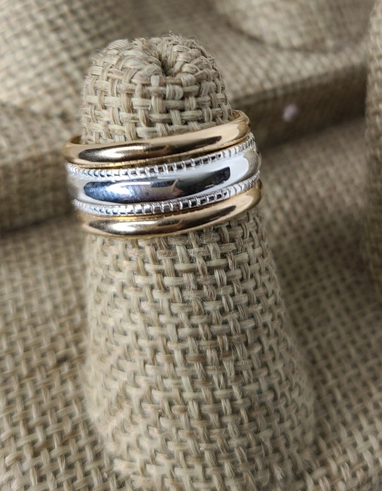 Gold Bands with Milgrain Center