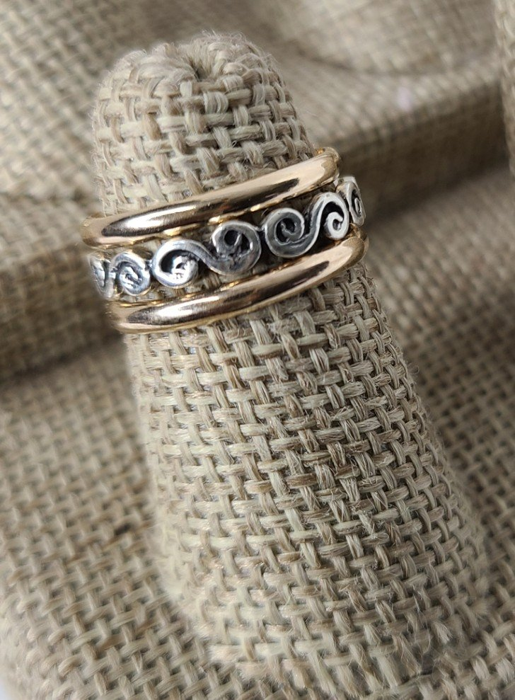 Gold Bands with Antique Scroll