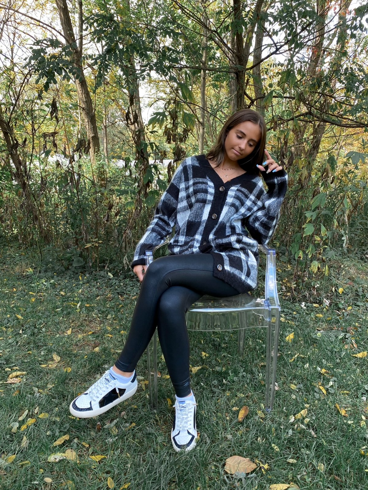HT Black/White Plaid Oversized L/S BtnUp V Cardigan Sweater
