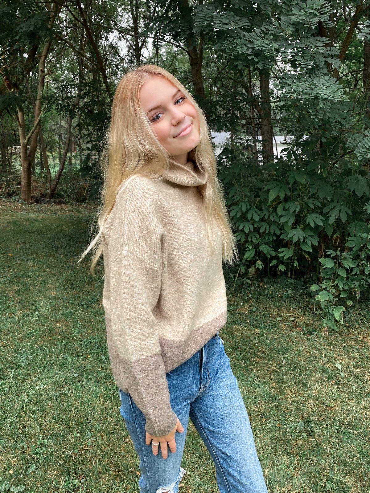 KK 2 Tone Tan/Taupe Dolman Mock Cowl Boxy Sweater