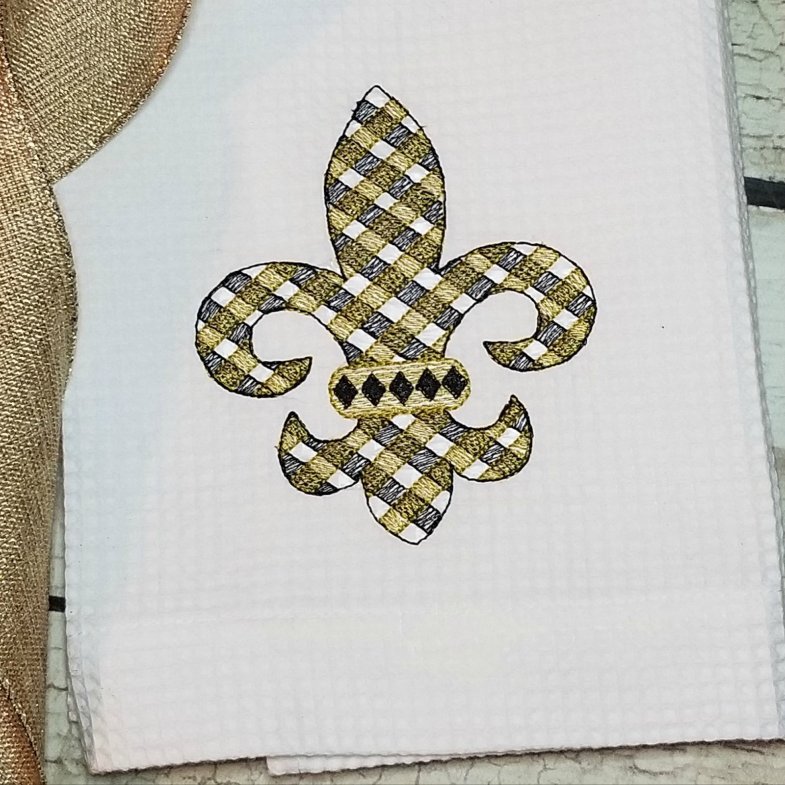 Fleur de Lis Machine Embroidery Design