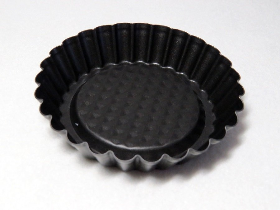4 Black Metal Tart Tin