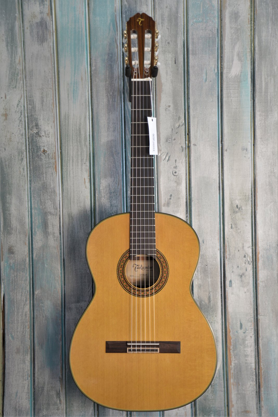 Takamine C132S Classical Guitar with case