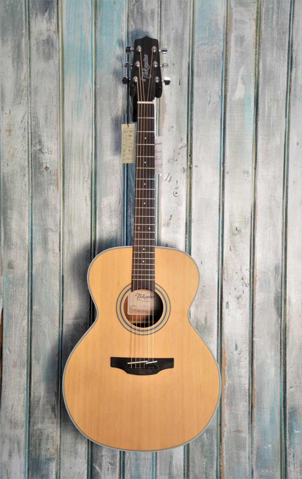 Takamine GN20 NS acoustic guitar
