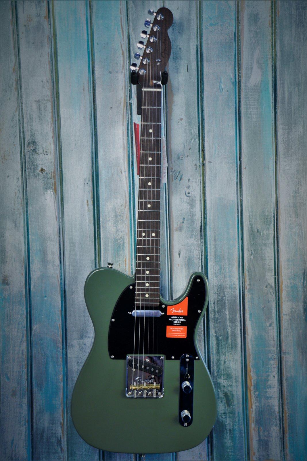 Fender Ltd Ed American Professional Rosewood Telecaster Green