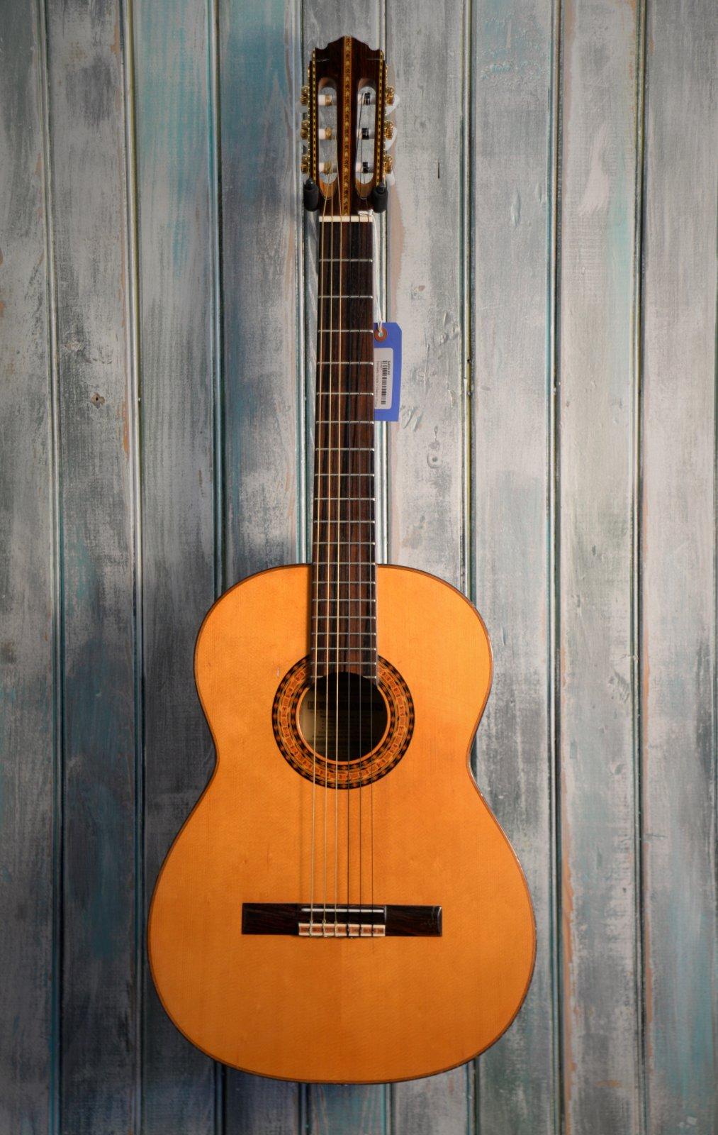 Hernandis Grade 2 Classical Guitar