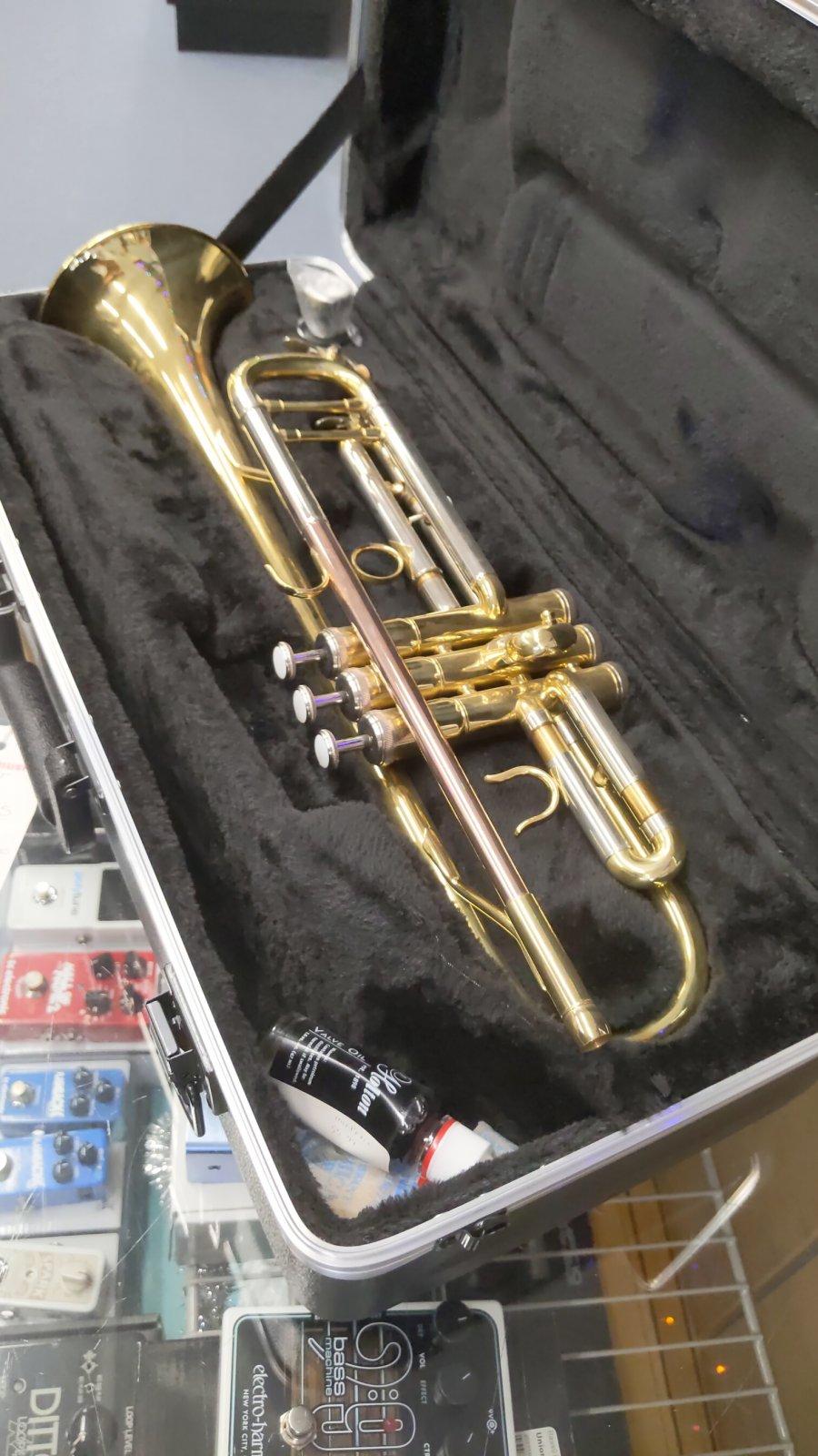 Hunter 6418L trumpet w case