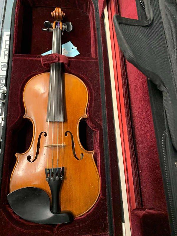 Y Chen Violin (with case & bow)