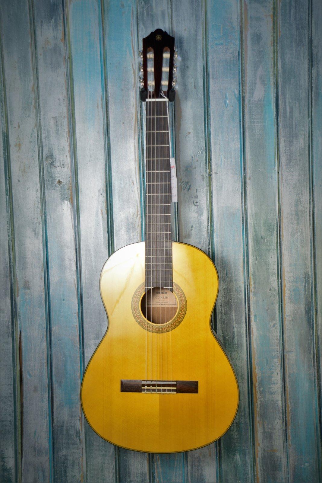 Yamaha cgs10311 3/4 Spruce Top Classical Guitar