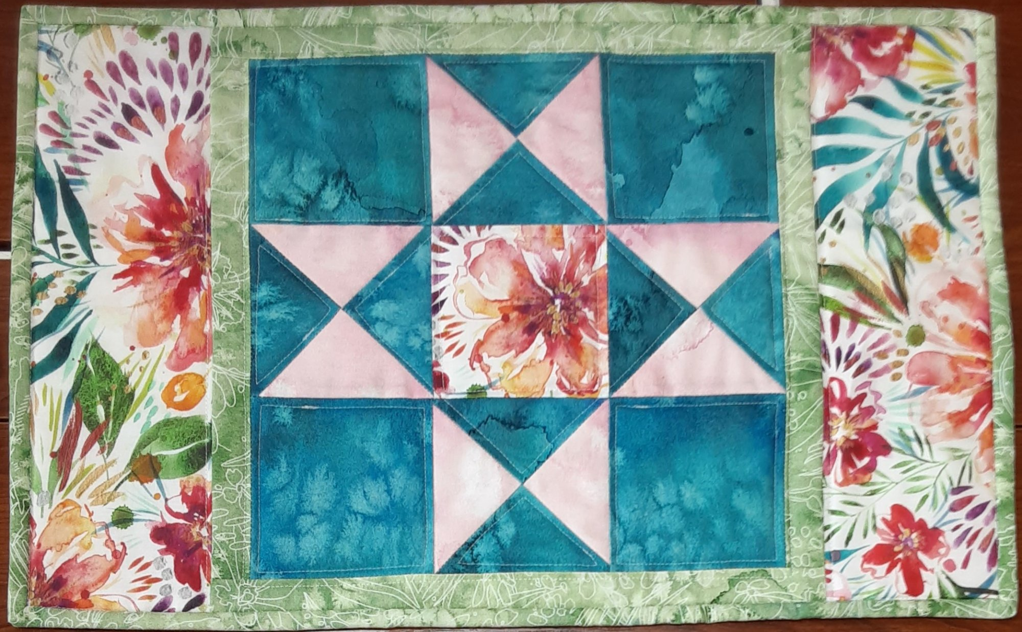 Moody Bloom Placemat Kit