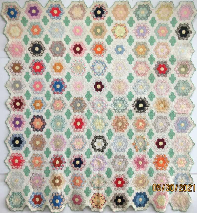 Leighfee's Flower Garden Quilt