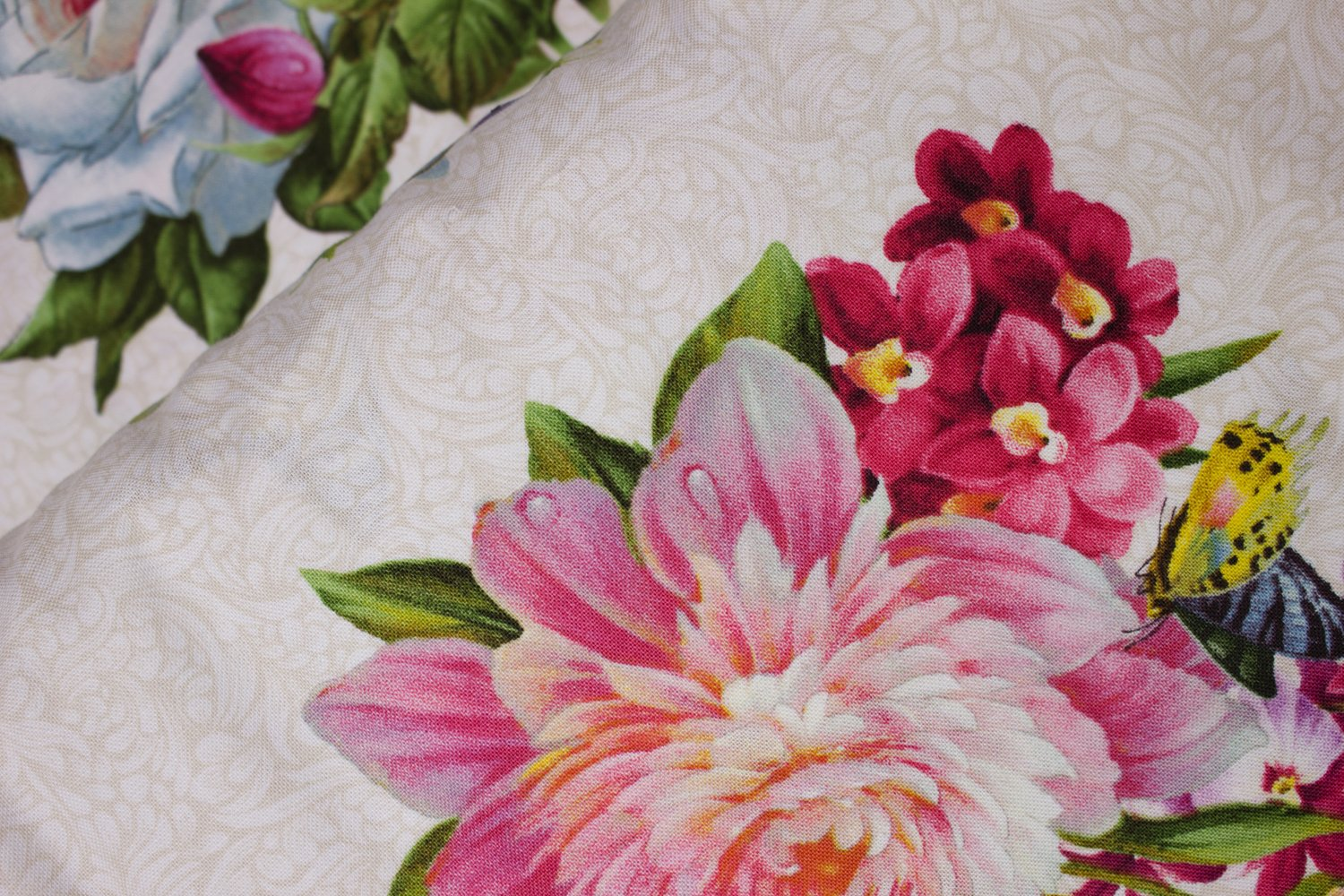 SPECIALTY FABRICS ROOM: Large Flowers and birds - Hummingbird Bouquet on Cream by Elizabeth's Studio