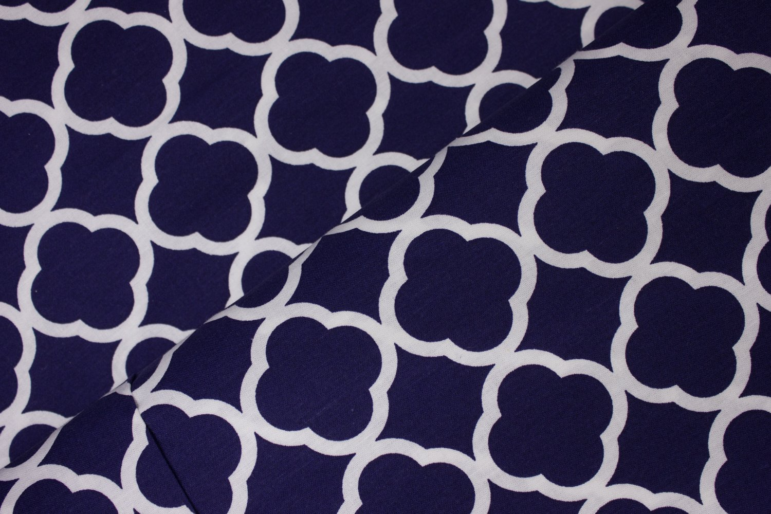 Small Navy and White Quatrefoil