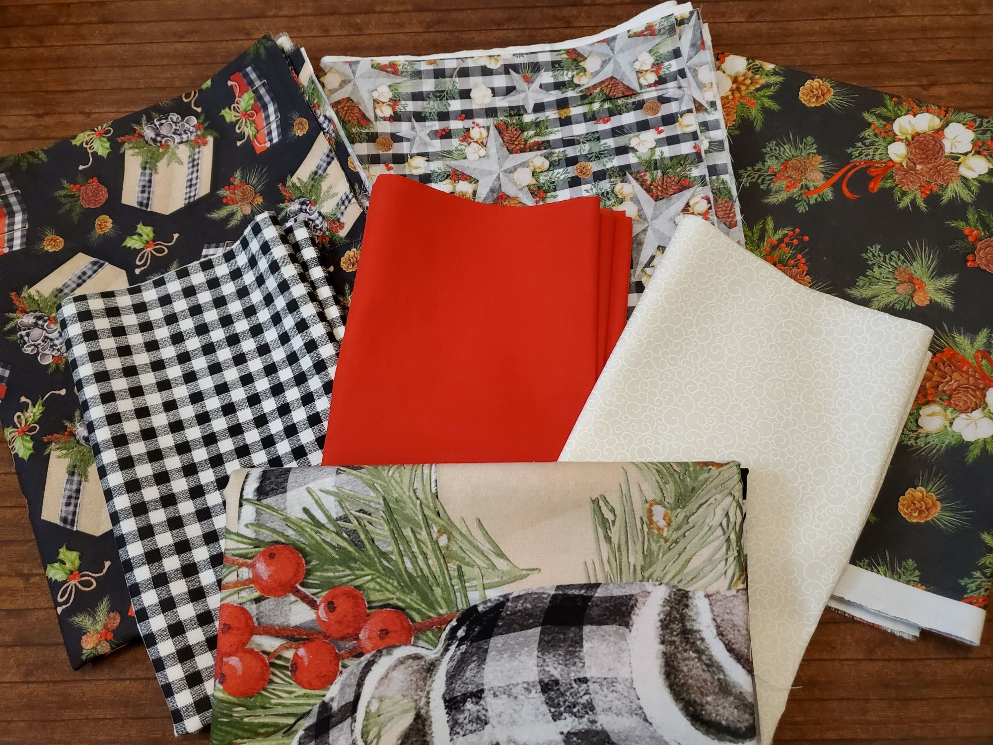 Christmas Gingham - Combo Pack: 3 full yards, 3 half yards plus panel by Springs Creative