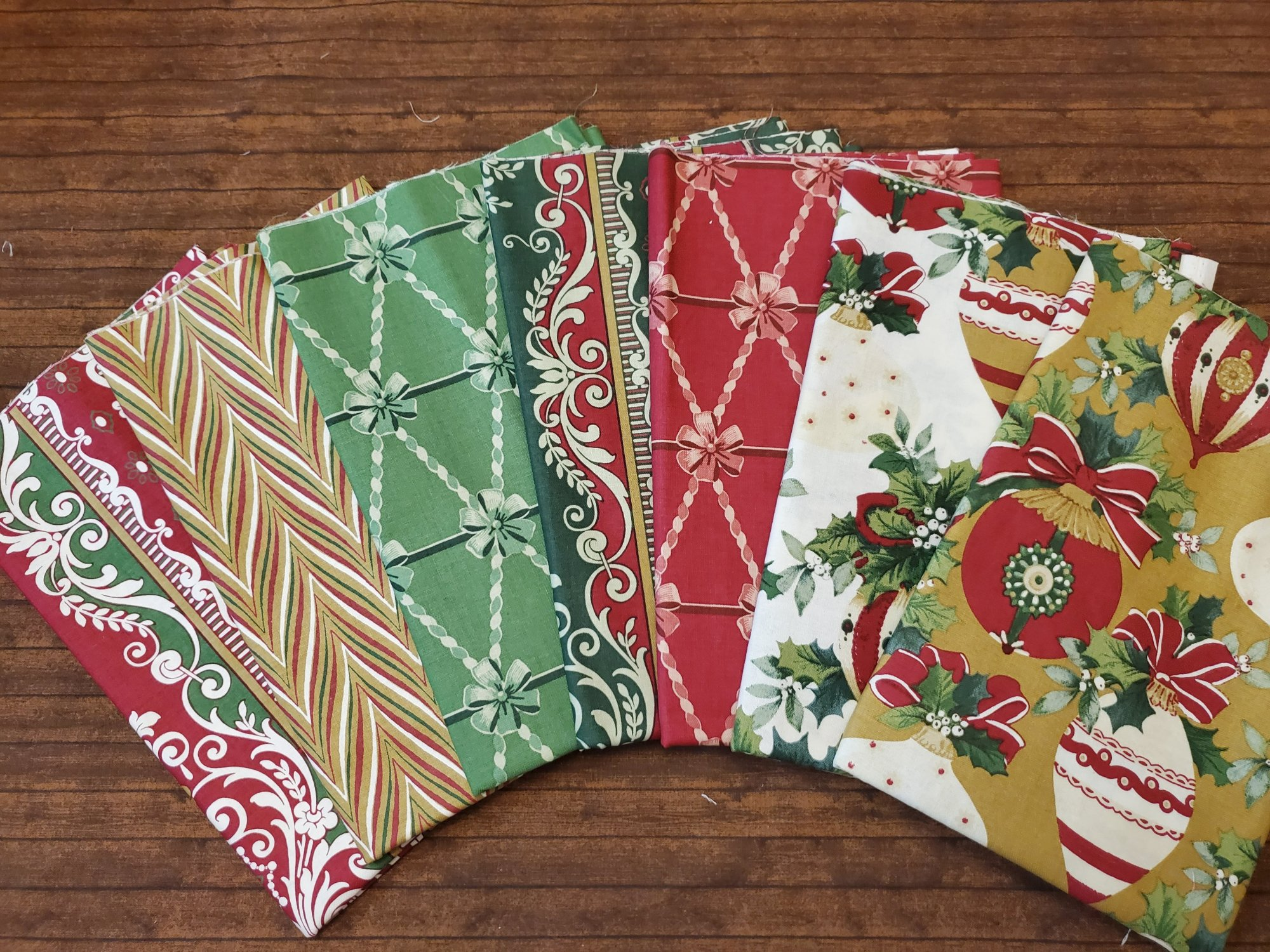 Yuletide Greetings with Anna Griffin - 7 Piece Half Yard Bundle Pack