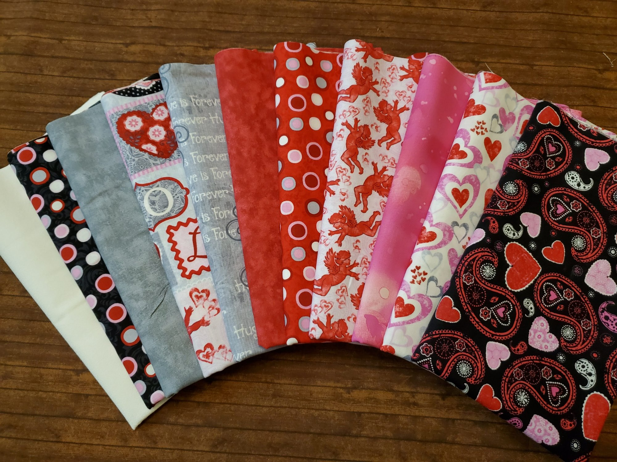 Hearts of Love Valentine Fabric Pack by Sharla Fults for Studio E - 11 Piece Half Yard Bundle Pack