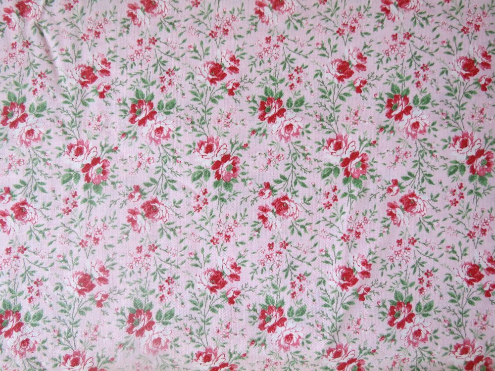 1 Yd, 35 Pink with Red Flowers