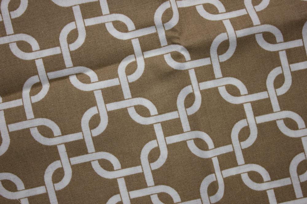 White Interlocking Links on Taupe - Single Fat Quarter