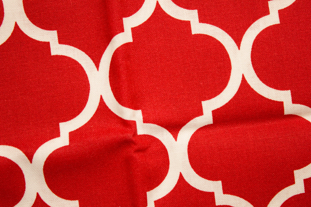 Large White Quatrefoil on Red - Single Fat Quarter
