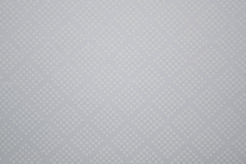 Diagonal White Lattice with Dots on a Form of Neutral