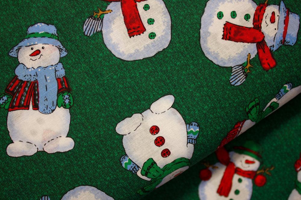 Snowman Toss on Green