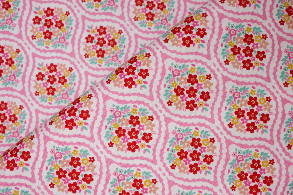 Flowers in Pink Vase - Forget Me Not by Tammie Green for Riley Blake Fabrics