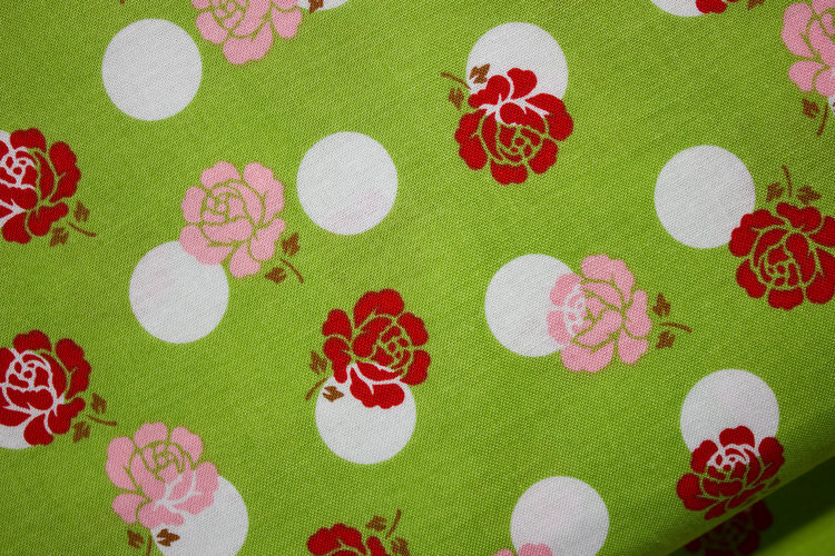 Roses in White Circles - Sew Cherry 2 for Riley Blake