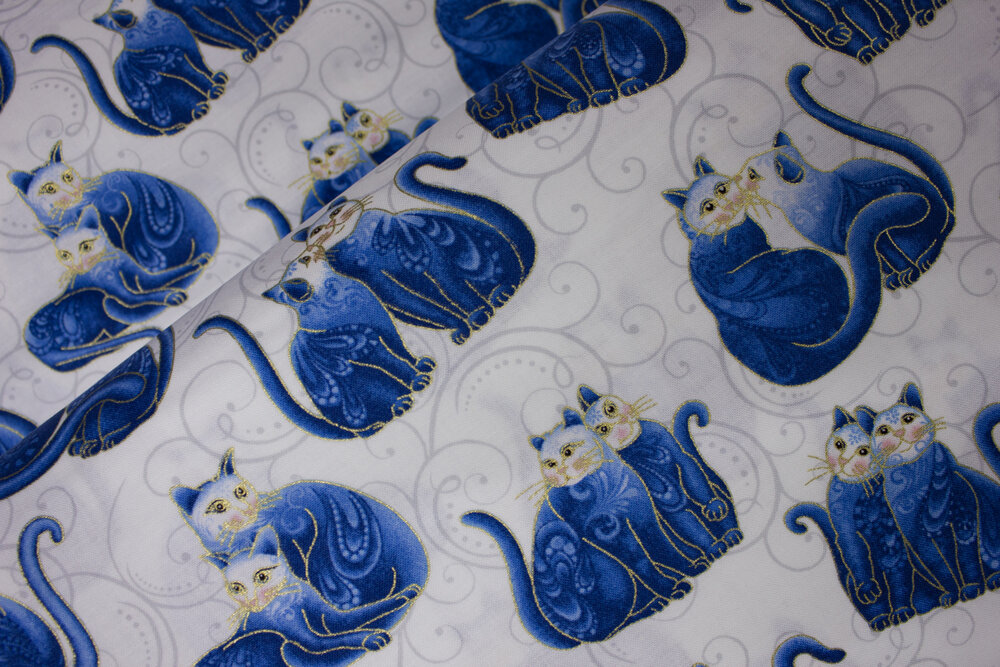 Mini Scroll Cats in Blue on White: Cat-i-Tude 2 Purrfect Together by Ann Lauer for Benartex