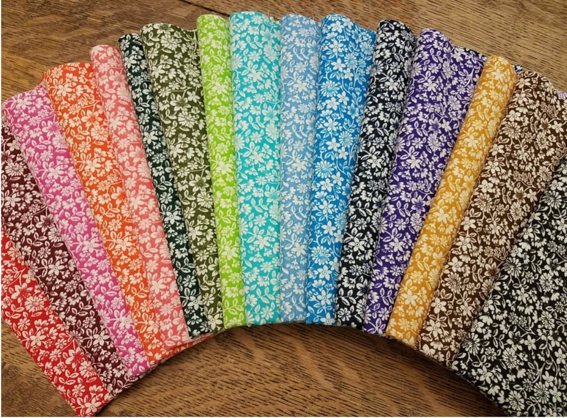 Packed Bloomin' Flowers - Rachael's Picks -16 Piece Half Yard Bundle Pack