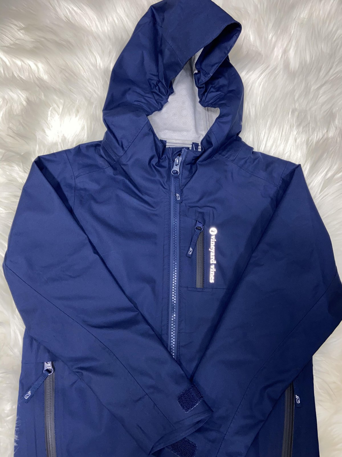 VINEYARD VINES BOYS WINDBREAKER SIZE 5