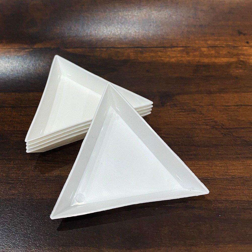 Triangle Embellishment Trays (5pc)